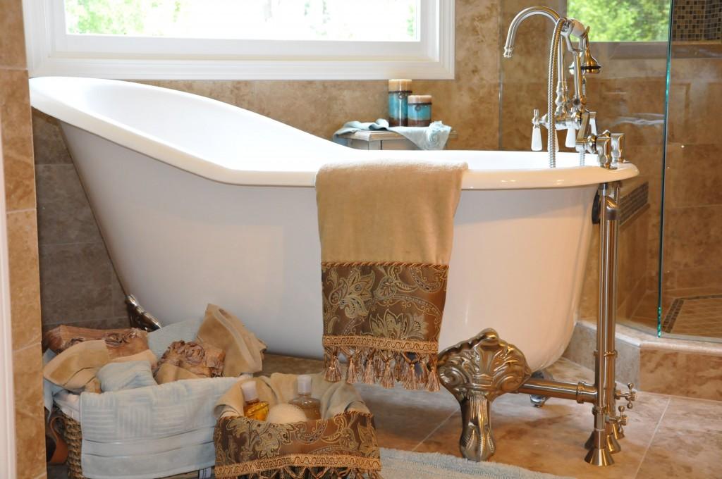 Bath Remodel with claw foot slipper tub in Johns Creek and Alpharetta area near Gwinnett county